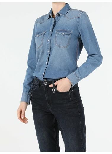 Colin's Slim Fit Klasik Kadın Uzun Kol Gömlek Renkli